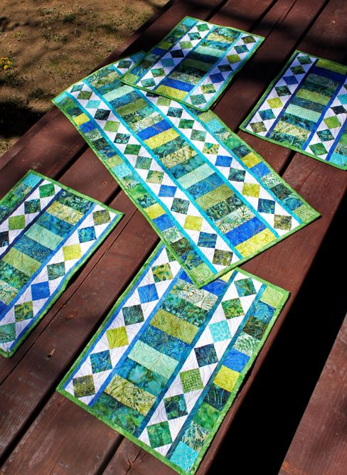 Quilt Patterns For Table Runners And Placemats : Best 25+ Placemat patterns ideas on Pinterest Quilted placemat patterns, Quilt placemats and ...