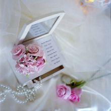 tableau gioiello,fiori pasta di carta e perle
