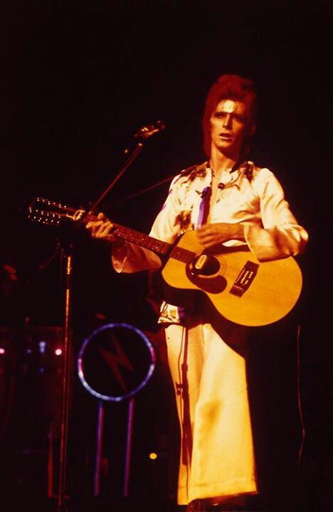 how to play ziggy stardust on the guitar