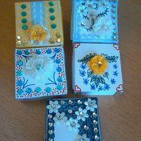malé papírové krabičky na drobné dárečky