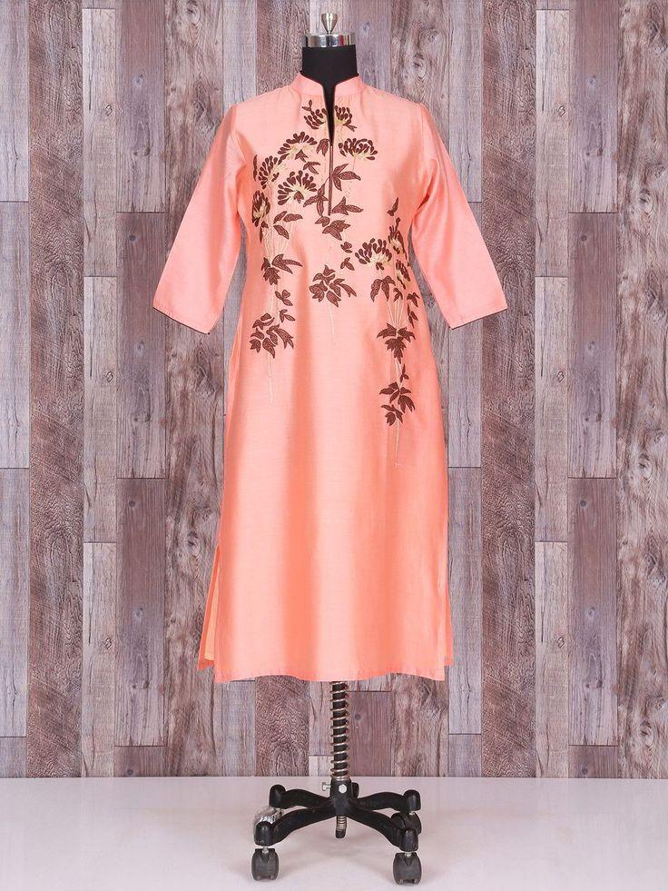 Лососевое красивое эксклюзивное платье-туника, с рукавами три четверти, украшенное вышивкой скрученной шёлковой нитью