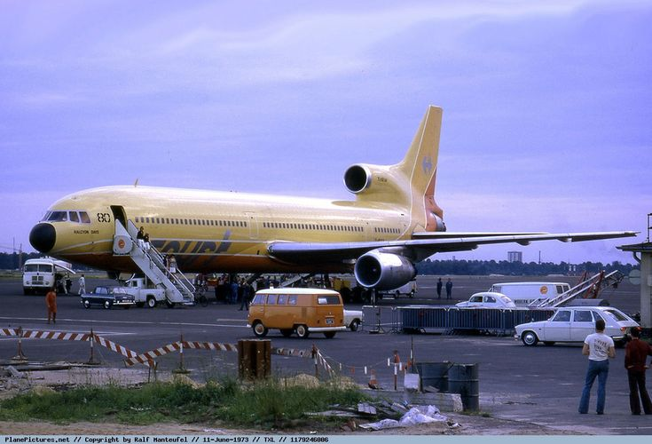 Photo Court Line Lockheed L-1011-1 TriStar G-BAAA