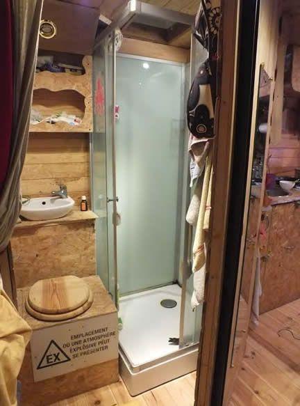 j ai test pour vous vivre dans un camion trip van pinterest camion amenager copain et. Black Bedroom Furniture Sets. Home Design Ideas