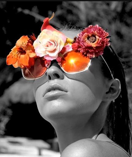 SOLARISATION The most amazing vimeo images! Leica S Magazine Super Model Caroline Kelley SolariSation video photgraphy: Enrique Badulescu vimeo: Mihai Badulescu styling: Romina Herrera Malatesta features Mercura Frida Sunglasses — in Mexico.