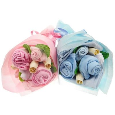 Twin Mini Baby Clothes Bouquet. http://www.sayitbaby.co.uk/Twin-Mini-Baby-Clothes-Bouquet-p/mintwinbqt.htm