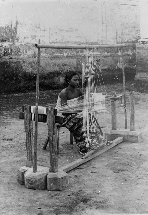 Weaver, 1910, bali