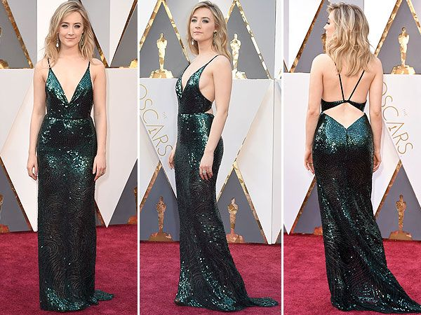 Saoirse Ronan Honors Irish Heritage in Green Calvin Klein Gown at Oscars 2016 http://stylenews.peoplestylewatch.com/2016/02/28/oscars-2016-saoirse-ronan-green-dress-calvin-klein-ireland/