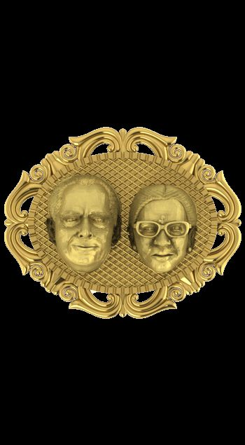 """""""Family is one of nature's masterpieces"""". We create a masterpiece in 3d in gold and sculpt your photograph as piece of art with photo frame and will be the perfect anniversary gift for your loved ones as the gift will depict how their love will last for eternity just like our work of art."""