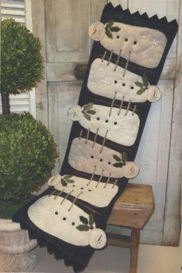 Wool Snowman Table-runner-Primitive Gatherings-one of my favorite shops