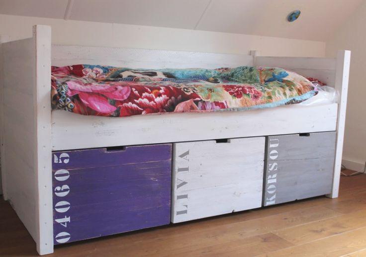 Meer dan 1000 afbeeldingen over hoogslapers en andere hoge bedden op pinterest met bakken - Tiener met opbergruimte ...