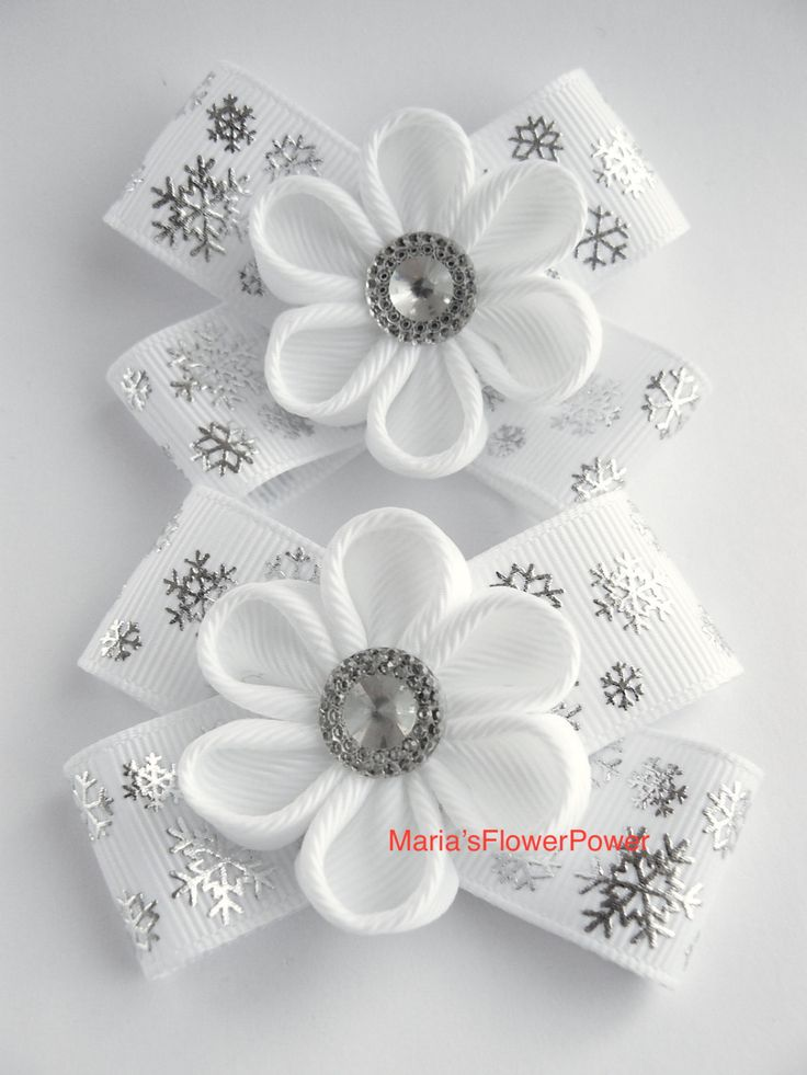 Handmade Kanzashi girls toddler baby hair clips bows- buy in UK,shipping worldwide- Snowflakes Christmas hair accessories by MARIASFLOWERPOWER on Etsy