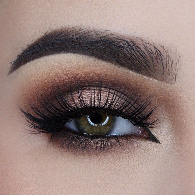 @toofaced Chocolate Bar palette (Salted Caramel, Semi-Sweet, Triple Fudge, Marzipan and Creme Brulee mixed), @lashesinabox lashes no.8, @true_glue_adhesive lash glue, @eyeko Black Magic mascara || Brows: @anastasiabeverlyhills Dipbrow in Dark Brown, @thebalm_cosmetics Brow Pow Powder