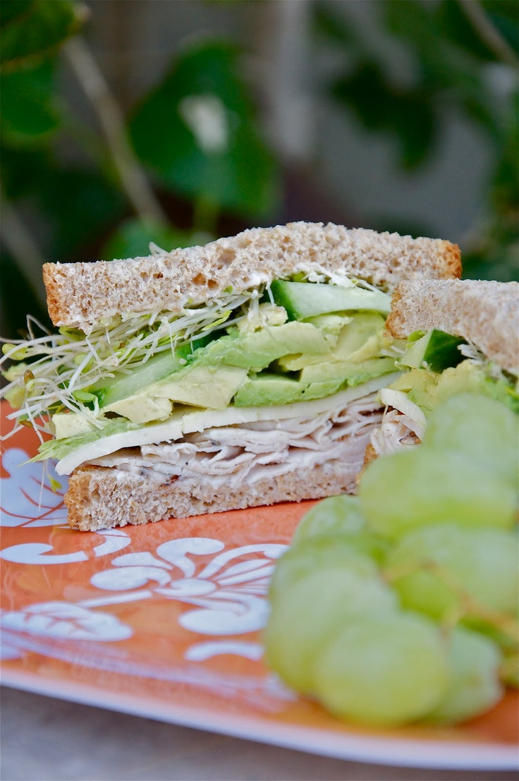 Made this for lunch today and it was delicious!Turkey Sandwiches Recipe, Delicious Turkey, Wheat Breads, Avocado Turkey, Lunches Today, Yummy Food, Foodies Sandwiches, Food Yum, Beans Sprouts
