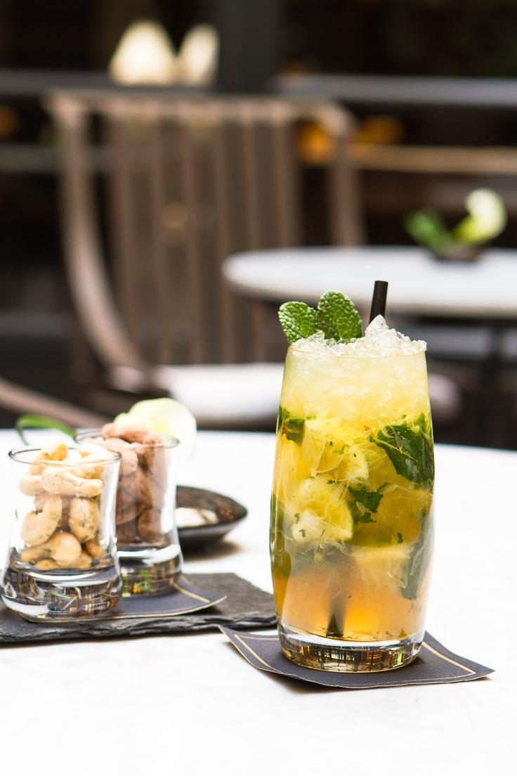 """cocktail """"L'Idéal"""" L'idéal  Cognac, citron vert, menthe fraiche, sirop de poivre, angustura, ginger ale The Baudelaire patio"""