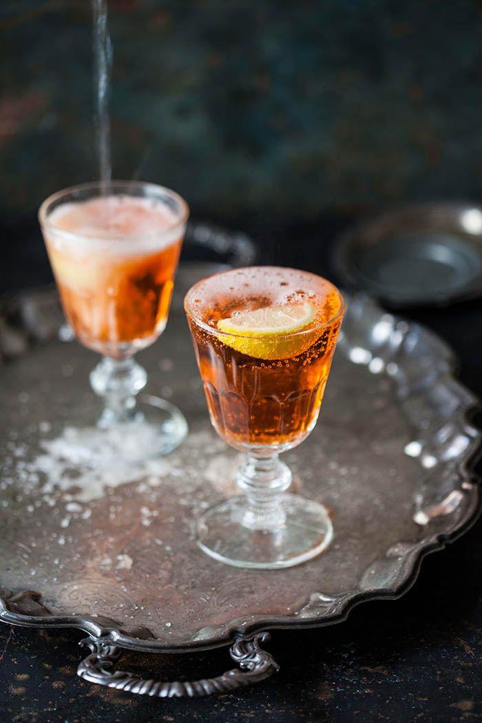 How to make an aperol spritz | DrizzleandDip.com
