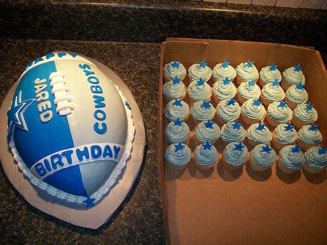 dallas cowboys cake and cupcakes