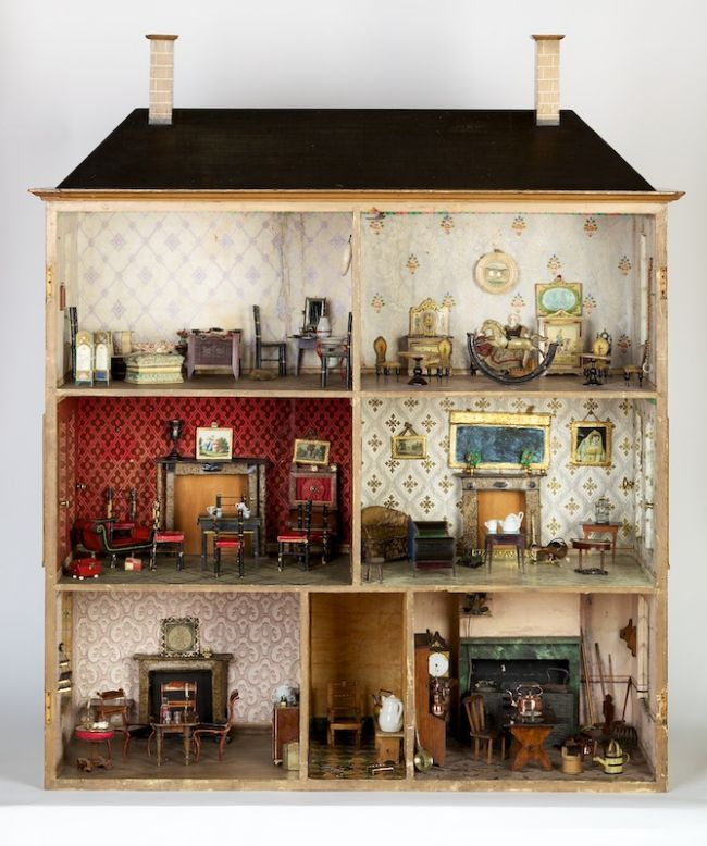 A childrens dolls house which belonged to the Pedder family. This is around 180 years old © Harris Museum and Art Gallery