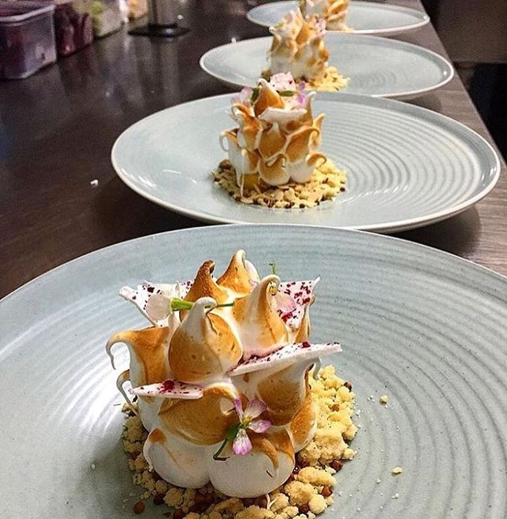 Beautiful Lemon Meringue Pie. ✅ By - @phils_kitchen_nz ✅ . #ChefsOfInstagram . 🚨 www.ChefsOF.com 🚨