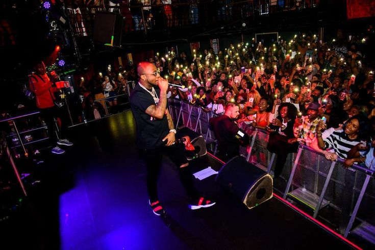 Wizkid & Davido Performed Again On Stage, See What Wizkid Did (Photos, Video)