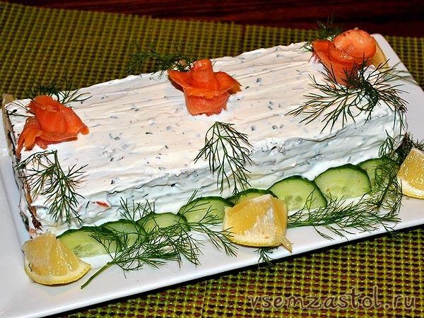 Торт закусочный с копченым лососем