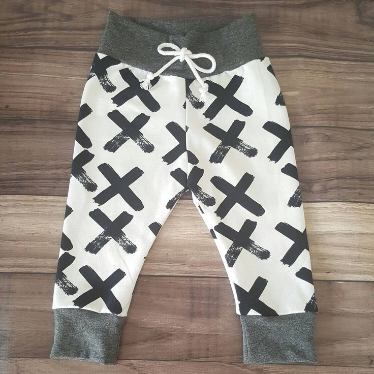 ORGANIC Baby Leggings - X leggings; European knit, Toddler Leggings, Baby Clothes, Black and White, Modern Baby, Monochrome by FigsAndFoxes on Etsy https://www.etsy.com/dk-en/listing/461439048/organic-baby-leggings-x-leggings