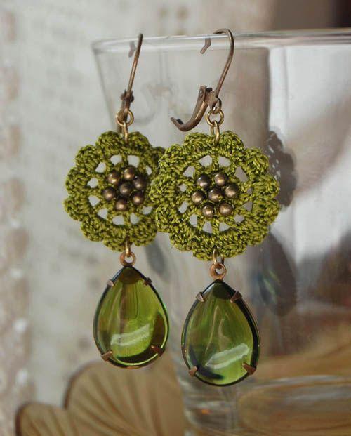 Green Drop earrings by Un Jardín De Hilo, via Flickr