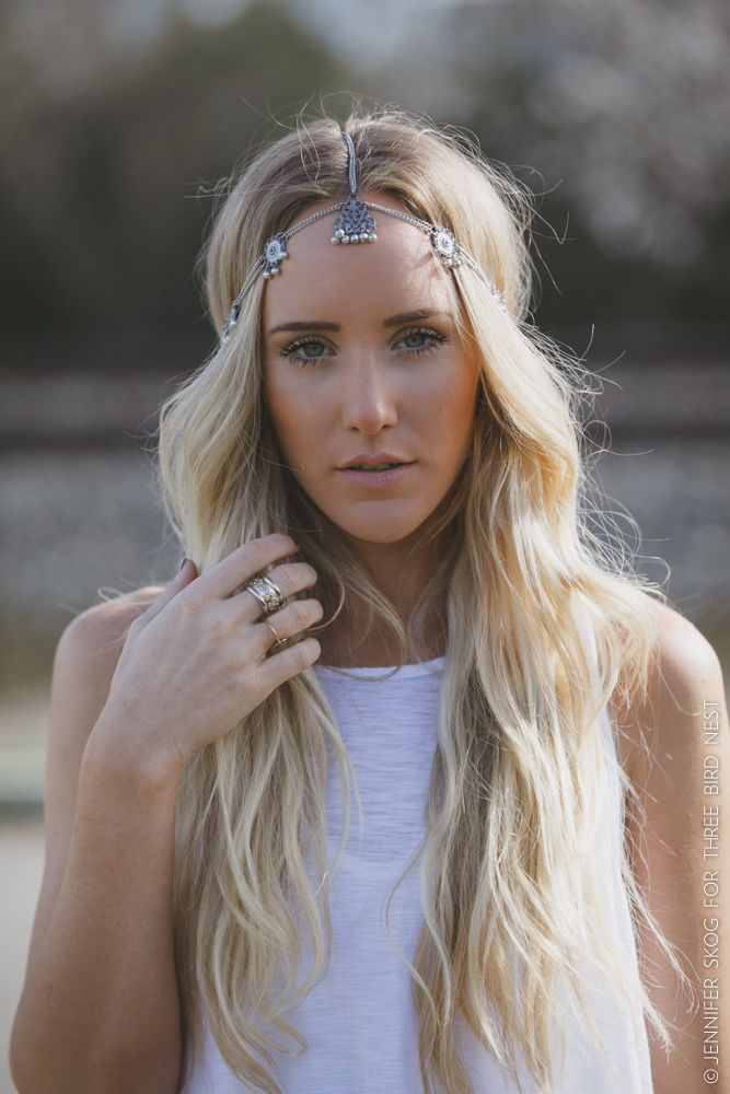 Silver chain head chain featuring intricate silver metal detail with small silver dangling beads, with adjustable clasp. We love the detail on this gorgeous boho head chain, especially the way the sma