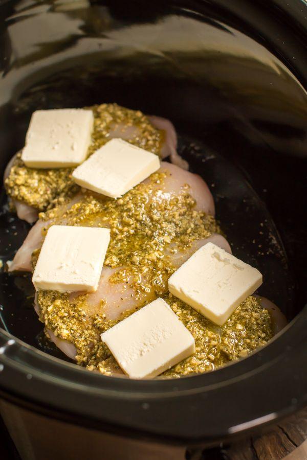Slow Cooker Pesto Mozzerella Chicken Pasta