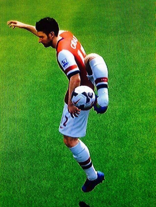 Olivier Giroud przyjął piłkę nogą za swoimi plecami • Nowe przyjęcie futbolówki w grze FIFA • Wejdź i zobacz zabawny obrazek z gry >>