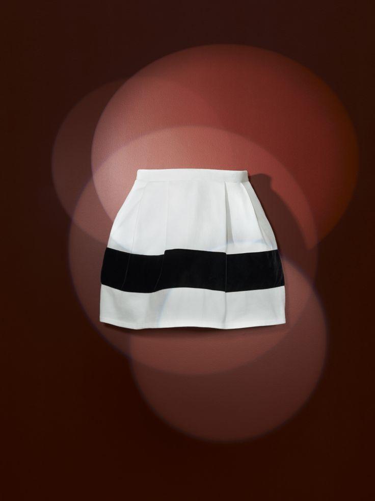 Women's heavy jersey bell-shaped skirt is decorated with a wide black velvet appliqué band - #bubbleskirt #ChristianLacroix #PetitBateau http://www.petit-bateau.fr?CMP=SOC_11732&SOU=&TYP=SOC&KW=pinterest