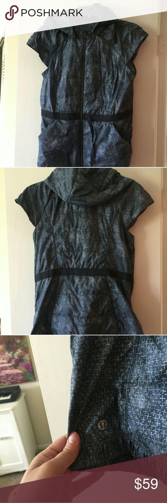 Lululemon vest Like new lululemon athletica Jackets & Coats Vests