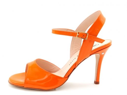 Sandalo CHANTAL in Vernice arancio. Tango shoes collection