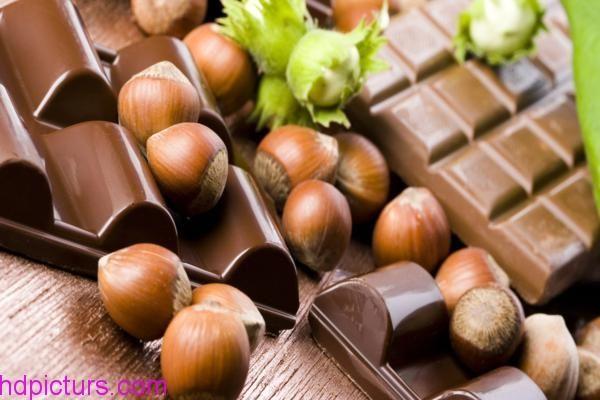 صور شوكولاته جميلة احلى انواع الشوكولاته بالصور اشكال روعه Chocolate Nuts Gourmet Chocolate Chocolate Hazelnut