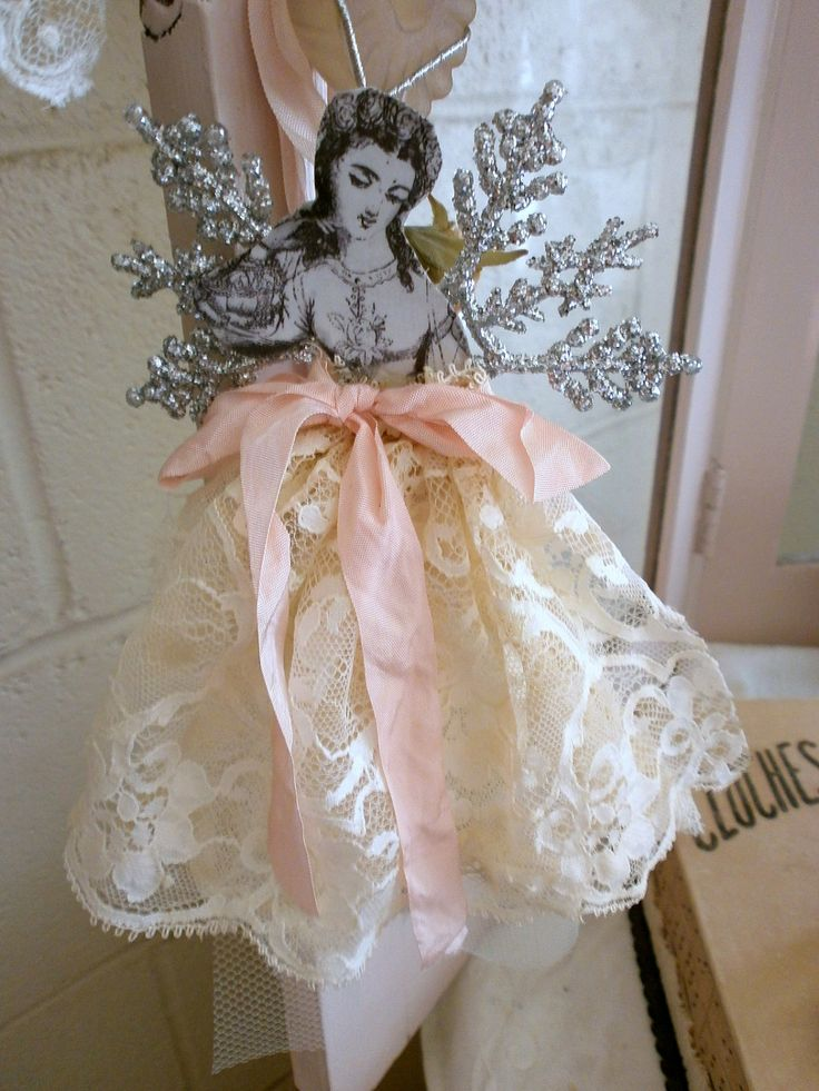 Christmas ornament. This is SO lovely, Christmas or anytime! I couldn't find this image, but look at my next pin. It could work. And I'll keep looking.  Will You, too?