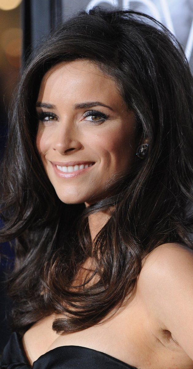 perfect combo for black hair and hazel eyes // Abigail Spencer