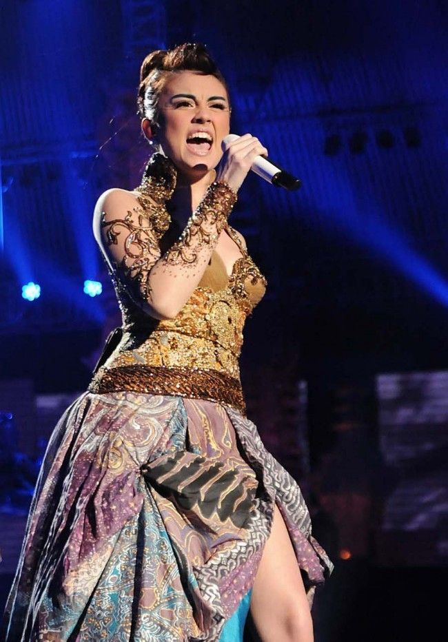 Agnes Monica in Indonesia's batik gown