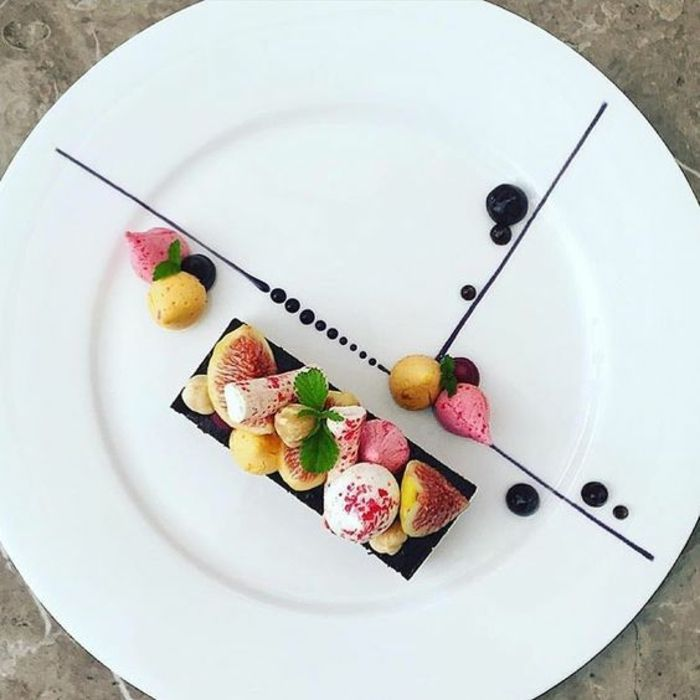 Les 25 meilleures id es concernant dessert gastronomique for Assiette de decoration