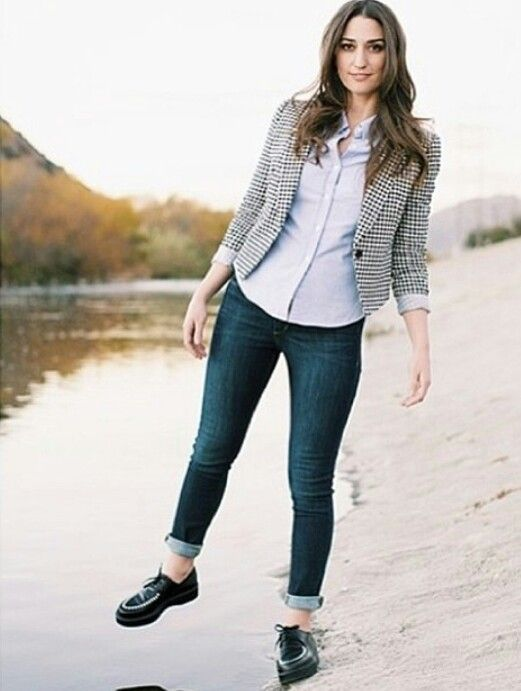 Sara bareilles can I have her waredobe please ?