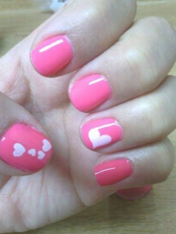 Short Natural Nails Pink With White Heart Accent Nails Free Hand Nail Art Valentines Day Holiday In 2020 Romantic Nails Valentines Nails Valentine Nail Art