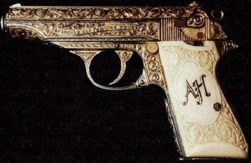Pistola decorada de Adolfo Hitler por supuesto una Walther PPK .380