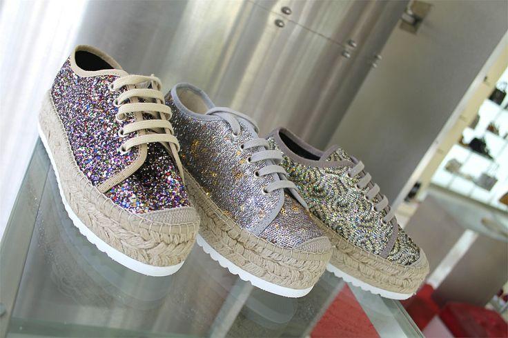 •SALDI• Completa il tuo look con i colori Vidorreta per avere la giusta carica e affrontare il lunedì nel migliore dei modi!  Quale preferisci?  ➡️ www.RICCISHOP.it #vidorreta #espadrillas #scarpe #estive #woman #shoes #nuove #espadrilles #mare #estate #milano #spring #summer #estiva #scarpenuove #piscina #cassino #calzature #saldi #colorate #sconti #belle #fashion #torino #donna #style #outfit #molise