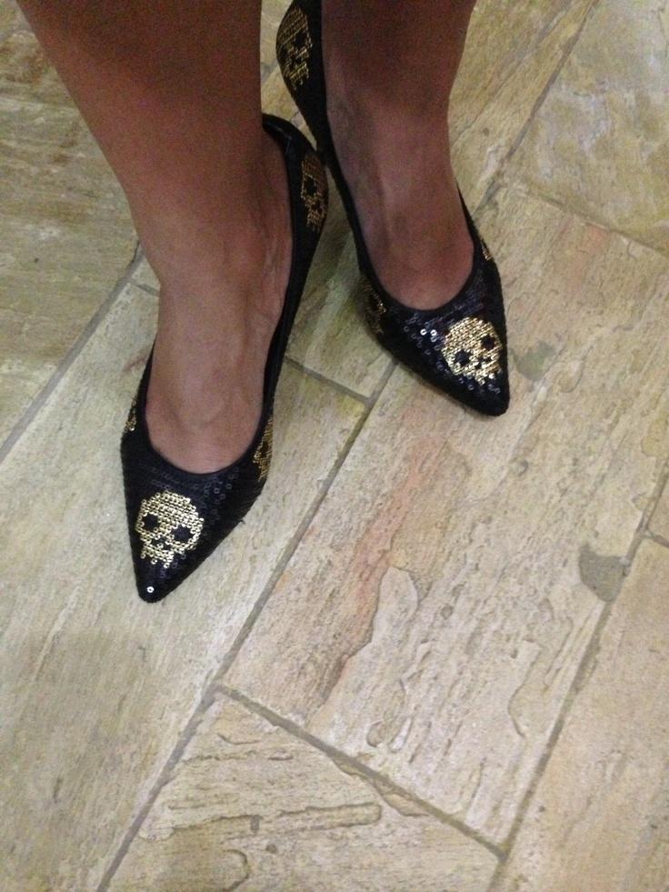 New cute shoes I got it at Doramila!