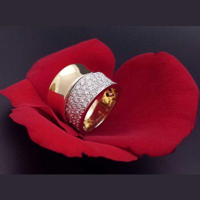 Gioielli Leo Pizzo, in vendita nelle migliori Gioiellerie Leo Pizzo Jewels, in the Best Shops Capriccio Collection Leo Pizzo