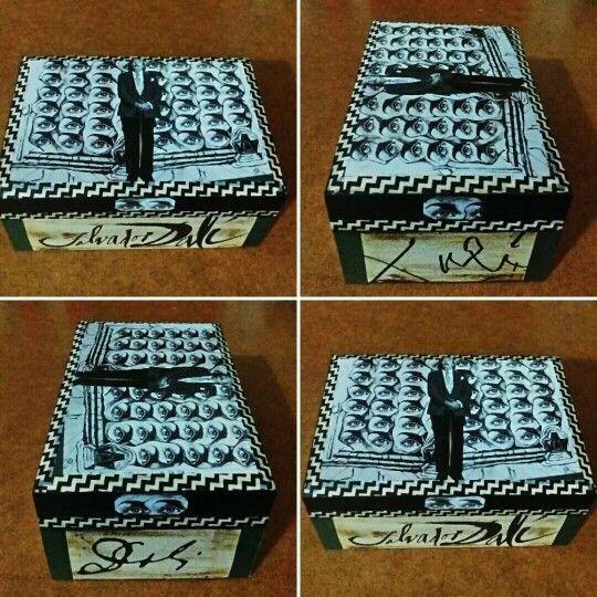 "Caja "" Firmas Dalinianas"". Vendido/ Sold out. (GloriArte143)"
