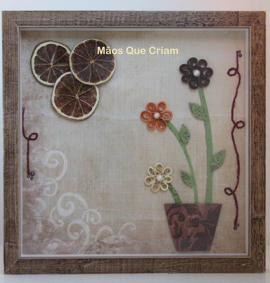 No quadrinho foram usadas as técnicas de scrap, flores de quilling e limões desidratados. Dependendo do espaço, pode ser usado só ou em composê com outro do mesmo estilo.
