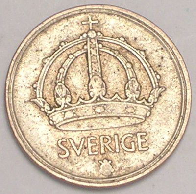 """""""In Sweden mother of the bride traditionally presents her daughter with a gold coin to be placed in her right shoe and her father gives her a silver coin for her left shoe. In this way they hope to ensure that their daughter will never be poor."""""""