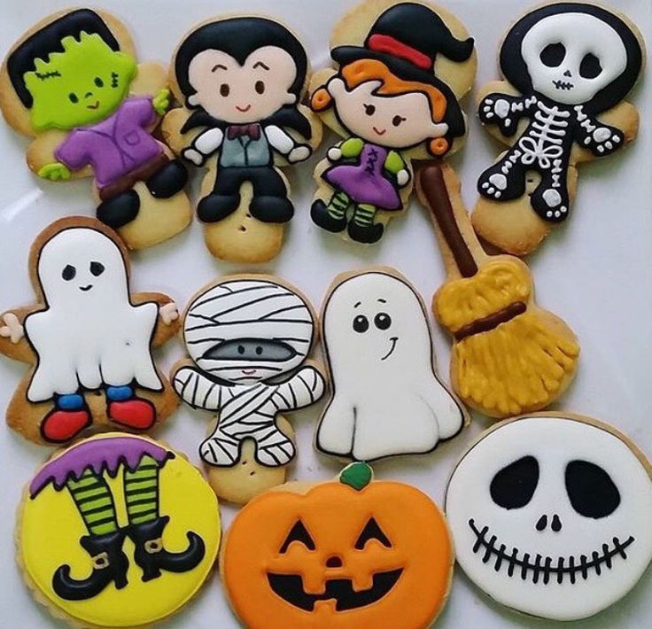 Cookiesbygiftedhands (cookie cutters)