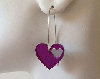 Amore cuore orecchini - specchio viola & grigio acrilico goccia orecchini con fili di argento. Taglio laser plexiglas, plexiglass.