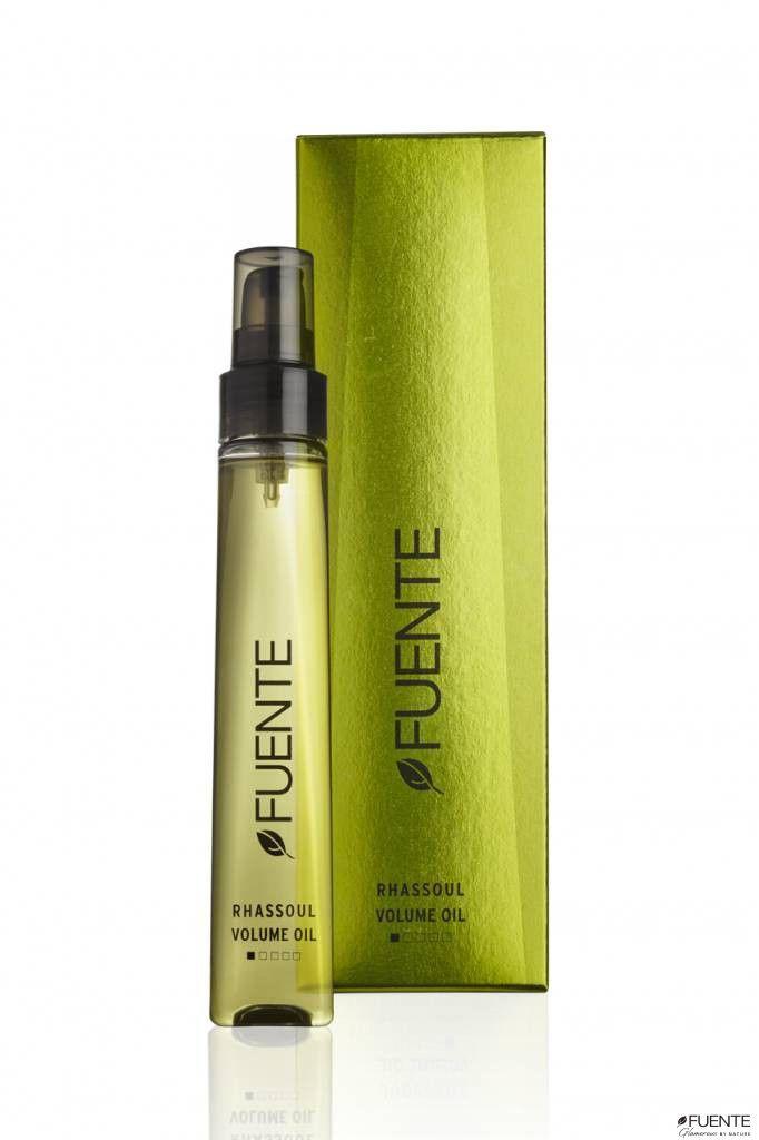 Fuente Rhassoul Volume Oil is een serum op basis van Rhassoul klei en arganolie. Het geeft je haar een prachtige glans, zonder het vet te maken. Het is geschikt voor elk haartype en is ideaal voor fijn haar.