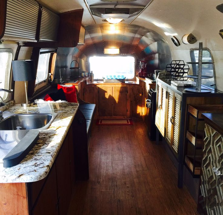 Upscale Austin Airstream rentals for Corporate Events, Trade Shows, Corporate Meetings, Special Events, Green Rooms, Retailer Fashion Trailer, Leasing Office and Weddings. The Flairstream is a corporate mobile brandable environment.